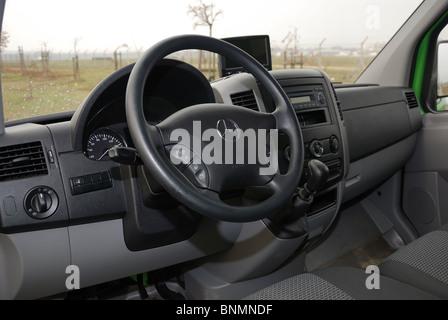 Mercedes-Benz Sprinter 260 CDI Van - grün - L3H2 - Deutsch MCV Van ...
