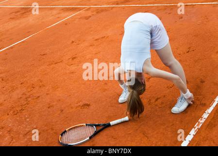 Tennis-Spieler dehnen vor dem Spiel - Stockfoto
