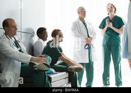Medizinisches Personal im Chat in den Streik - Stockfoto