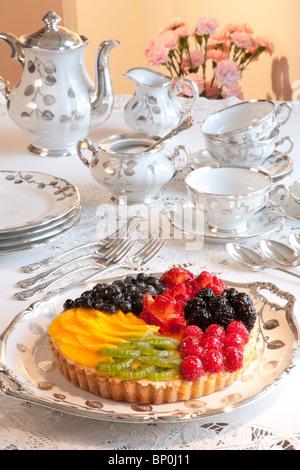 Frisches Obst-Torte bei High Tea - Stockfoto