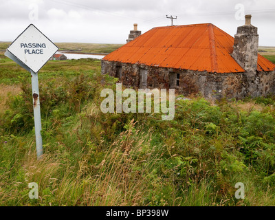 Alt, heruntergekommen, Cottage, North Uist, Schottland - Stockfoto