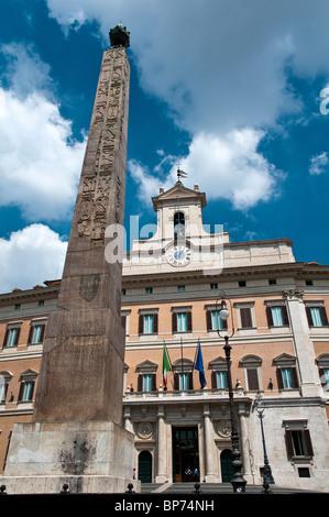 Palazzo Montecitorio, Sitz der italienischen Abgeordnetenkammer, Rom, Italien - Stockfoto