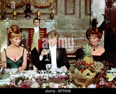 JULIA FOSTER, Tommy Steele, EINE HALBE SIXPENCE, 1967