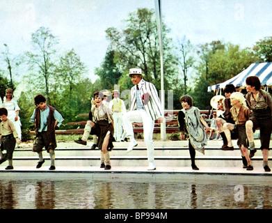 SZENE MIT TOMMY STEELE HÄLFTE EIN SIXPENCE (1967)