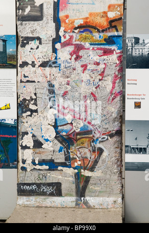 Stück der Berliner Mauer - Stockfoto
