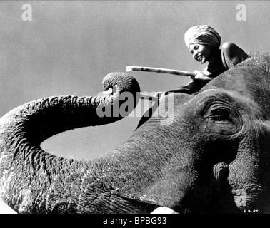 SABU & ELEPHANT ELEPHANT BOY (1937) - Stockfoto