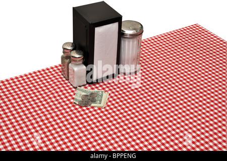 Tischdekoration im Diner isoliert auf weißem Hintergrund mit Beschneidungspfad. - Stockfoto