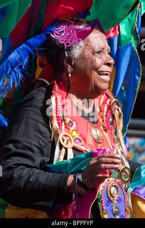 Bunte alte Dame Notting Hill Carnival (2010), London - Stockfoto
