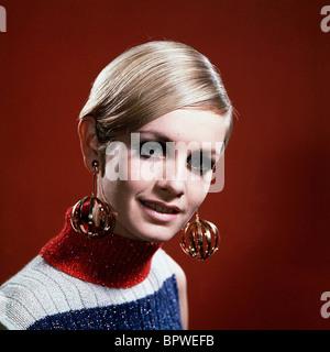 TWIGGY-MODELL & SCHAUSPIELERIN (1968) - Stockfoto