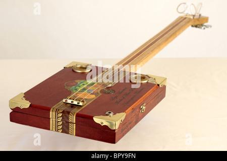 Ein custom e-Gitarre aus Padouk Verkabelung gemacht Stockfoto, Bild ...