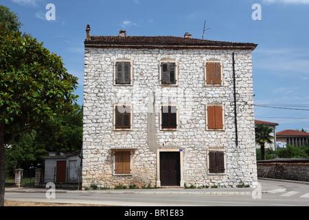 Typisch kroatische Haus in der Stadt Umag, Kroatien - Stockfoto