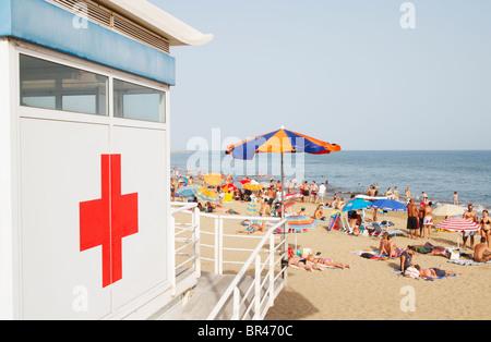 Rettungsschwimmer-Turm am Strand von Maspalomas auf Gran Canaria - Stockfoto