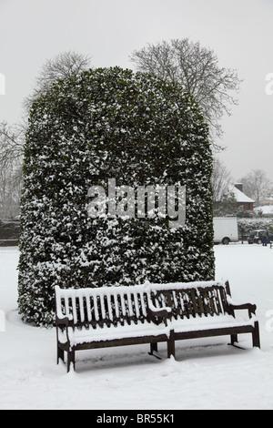 Winter-Blick auf Garten Kensington Palace, Hyde Park, Westminster, London W2. - Stockfoto