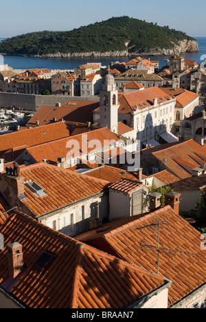 Blick über die Dächer der Altstadt von Dubrovnik, UNESCO-Weltkulturerbe, Kroatien, Europa - Stockfoto