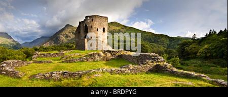 Dolbadarn Burg, Llanberis Pass, Gwynedd, Snowdonia National Park, North Wales, UK - Stockfoto