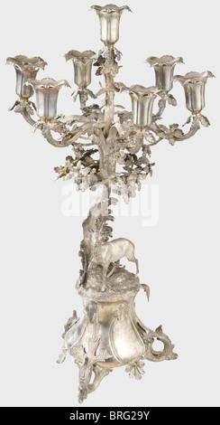 ... Eine Deutsche Herzstück Tischdekoration, Um 1860. Ein Kernstück Silber  Tisch Mit Passenden Einfügen Und