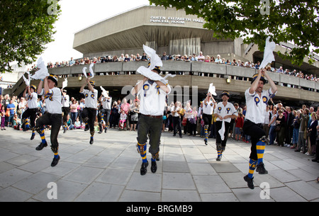 Morris Dancers Southbank London UK Europa - Stockfoto