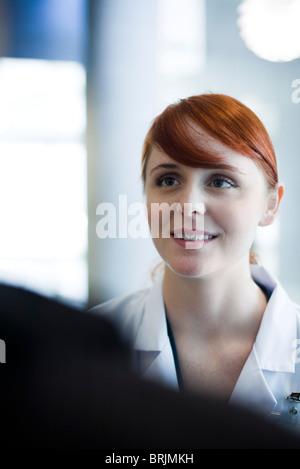 Weibliche Mitarbeiter, portrait - Stockfoto