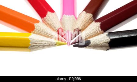 Eine Menge von Bleistiften in verschiedener Reihenfolge platziert - Stockfoto
