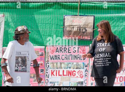 Frieden Demonstrant Brian Haw sieht in Parliament Square in London, wo er für über 3000 Tage (2010) protestiert - Stockfoto