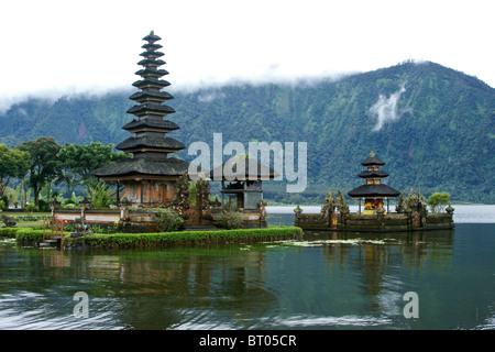 Ulu Danu Tempel, Lake Bratan, Bali, Indonesien - Stockfoto