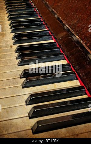 Grunge Klavier musikalische Untermalung und zusätzlichen Papierstruktur - Stockfoto