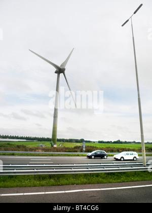 Amsterdam Fahrrad Fahrrad Transport Reisen Fahrt Park Windmühle Wind Power elektrische Energiegewinnung Urinal-Bahnhof - Stockfoto