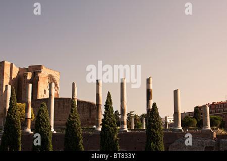 Spalten auf dem Heiligen Weg. Rom, Italien - Stockfoto