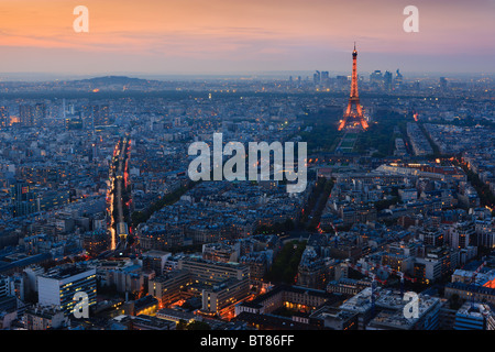 sonnenuntergang in paris mit dem blick vom tour. Black Bedroom Furniture Sets. Home Design Ideas