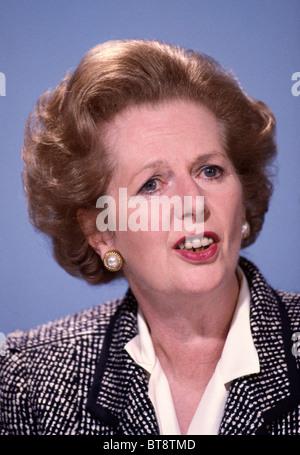 Margaret Thatcher, britischer Premierminister, auf einer Pressekonferenz, London auf 8. Juni 1987 während der allgemeinen - Stockfoto