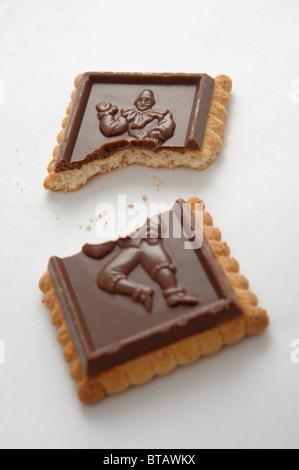 Ein Schokolade Keks gebissen Gehäuseschalen - Stockfoto