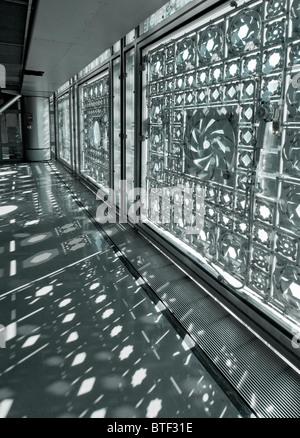 Innenansicht von Windows in das Institut du Monde Arabe in Paris Frankreich Architekt Jean Nouvel - Stockfoto