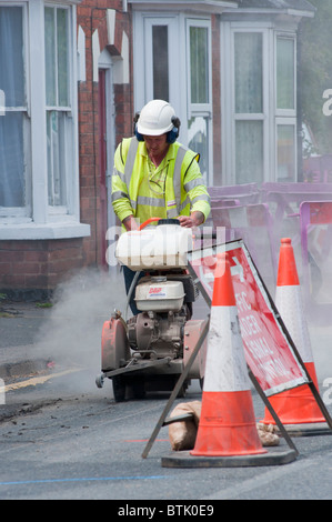 Gasleitung Reparaturen in Redditch, Worcestershire, UK (2010)