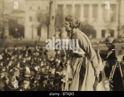 """Suffragette Lucy Branham auf Outdoor-Treffen während der militante Nationale Frauenpartei """"Gefängnis Special"""" tour - Stockfoto"""