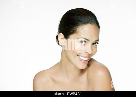 Porträt einer jungen spanischen Frau - Stockfoto