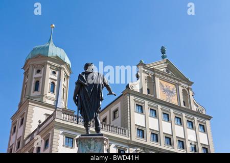 ABBILDUNG AUF EINEM BRUNNEN, AUGUSTUS-BRUNNEN VOR DEM RATHAUS, AUGSBURG, BAYERN, DEUTSCHLAND - Stockfoto