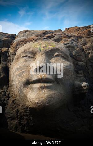 Shiva in den Felsen, kleine Vagator Beach Goa, Indien.