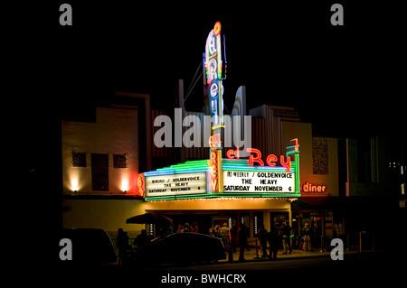 "Der ""El Rey"" Theater am Wilshire Boulevard, Los Angeles, Kalifornien, USA (nachts) - Stockfoto"