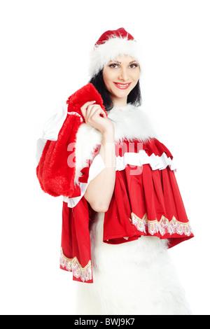 Lächelnde Frau in Santa Claus Kostüm halten rote Tasche mit Geschenken auf weißem Hintergrund - Stockfoto