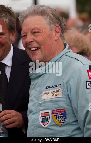 "Oldtimer-Rennfahrer Barrie ""Whizzo"" Williams bei der 2010 beim Goodwood Revival Meeting, Sussex, England, UK. - Stockfoto"