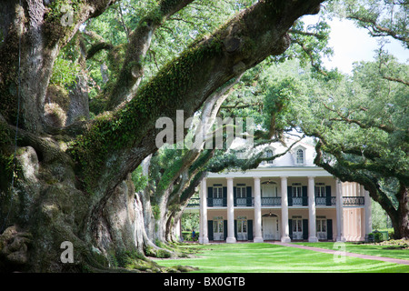 Zwischen New Orleans und Baton Rouge, und auf dem Mississippi River liegt Oak Alley Plantation, jetzt eine historische - Stockfoto
