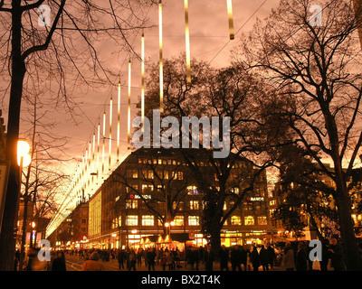 weihnachten bahnhofstrasse in der nacht nacht beleuchtung stadt z rich schweiz europa stockfoto. Black Bedroom Furniture Sets. Home Design Ideas