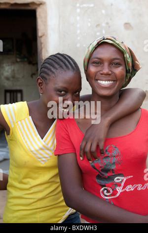 Mädchen besuchen ein Jugendlichen nach der Schule-Entwicklungsprogramm in Dodoma, Tansania, Ostafrika. - Stockfoto