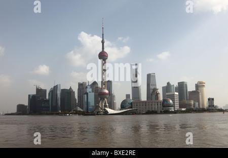 Skyline von Pudong, Shanghai China - Stockfoto