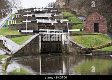 Bingley fünf Aufstieg Schlösser an der Leeds und Liverpool Canal West Yorkshire UK - Stockfoto