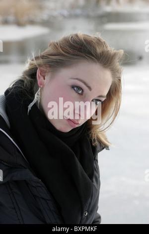Launische junge Frau - Stockfoto