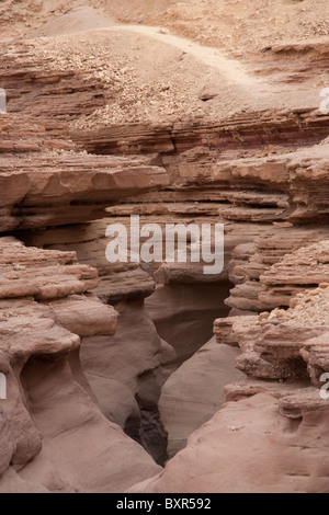 Felsige Landschaft der Red Canyon, Negev-Wüste in der Nähe von Eilat Israel. - Stockfoto