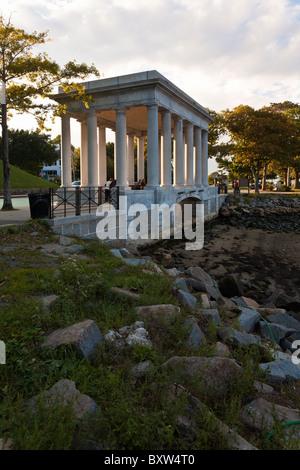 Plymouth Rock in der Pilger-Gedenkstätte in Plymouth Massachusetts - Stockfoto