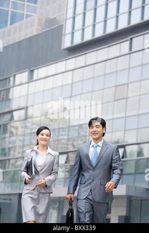 Geschäftsleute in Bewegung - Stockfoto