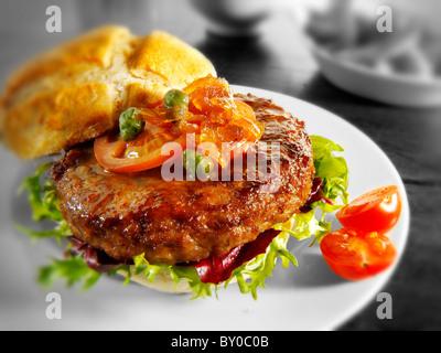 Hamburger mit Bub und lustvoll - Stockfoto